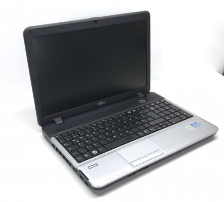 "Fujitsu Lifebook A531 15,6"" használt laptop i5-2450M 3,1Ghz 4Gb DDR3 500Gb HDD Webcam"