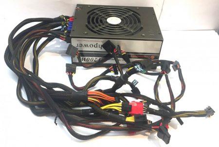 Thermaltake Toughpower 1200W Cable Management Moduláris használt tápegység 80 Plus 14cm