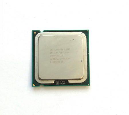 Intel Pentium Dual-Core E5700 3,00Ghz használt processzor CPU LGA775 800Mhz FSB 2Mb Cache SLGTH