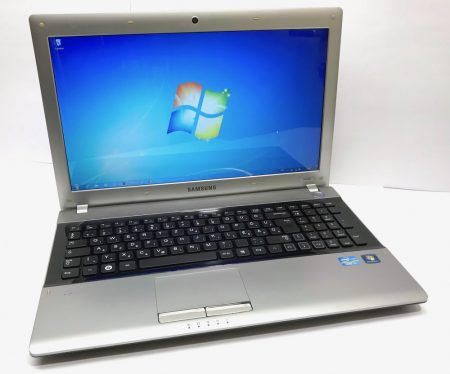 "Samsung E3520 15,6"" laptop i5-2410M 2,90Ghz 8Gb DDR3 500Gb webkamera"