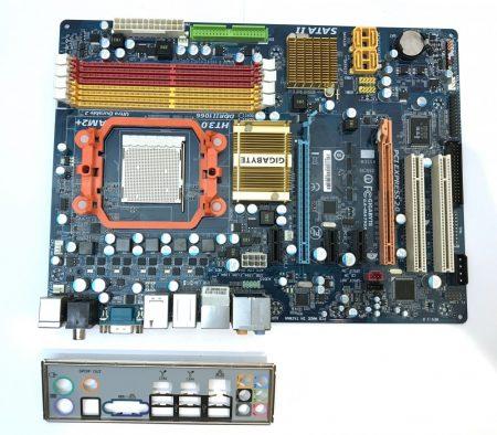 Gigabyte GA-MA790x-DS4 AMD 790X AM2+ AM2 AM3 használt alaplap DDR2
